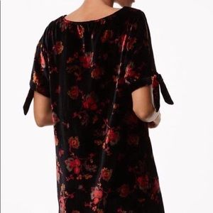 NWT S LOFT Velvet Floral Tie Sleeve Shift Dress